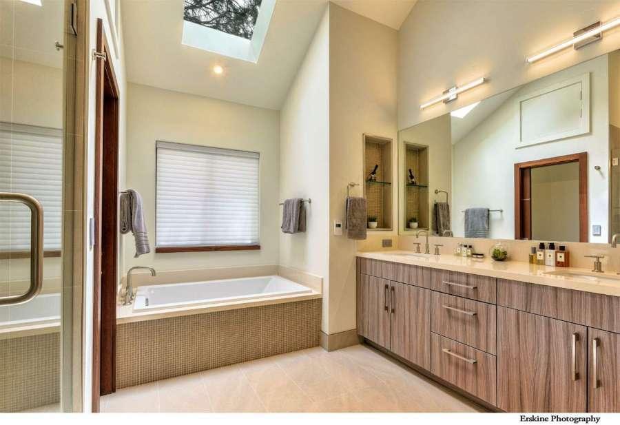 Luxury Master Bathroom in Truckee, CA