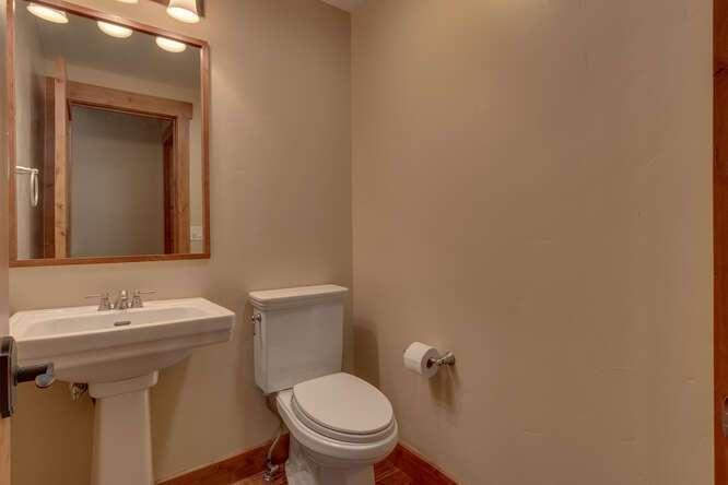 Half Bathroom | 10199 Annies Loop