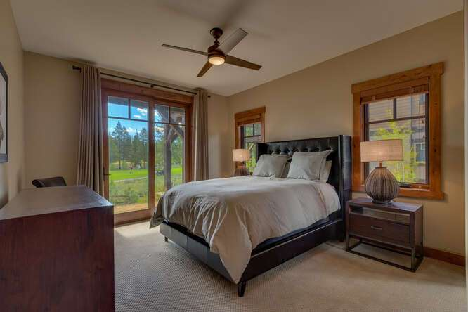 Guest bedroom | Gray's Crossing Luxury Townhome