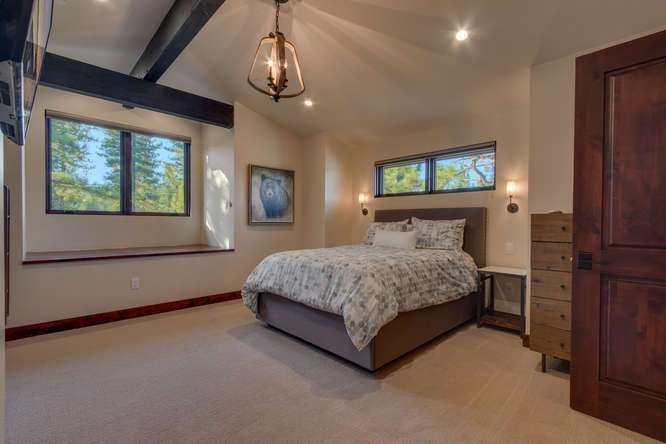 Truckee Luxury Real Estate | 10911 Ghirard Court | Bedroom