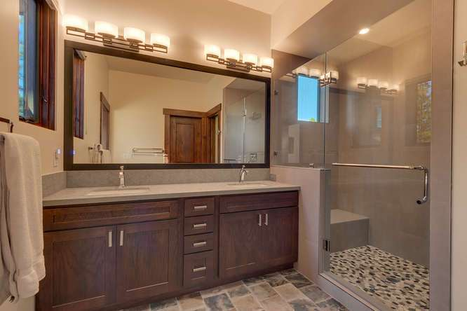 Gray's Crossing Golf Course Real Estate | 10911 Ghirard Court | Bathroom