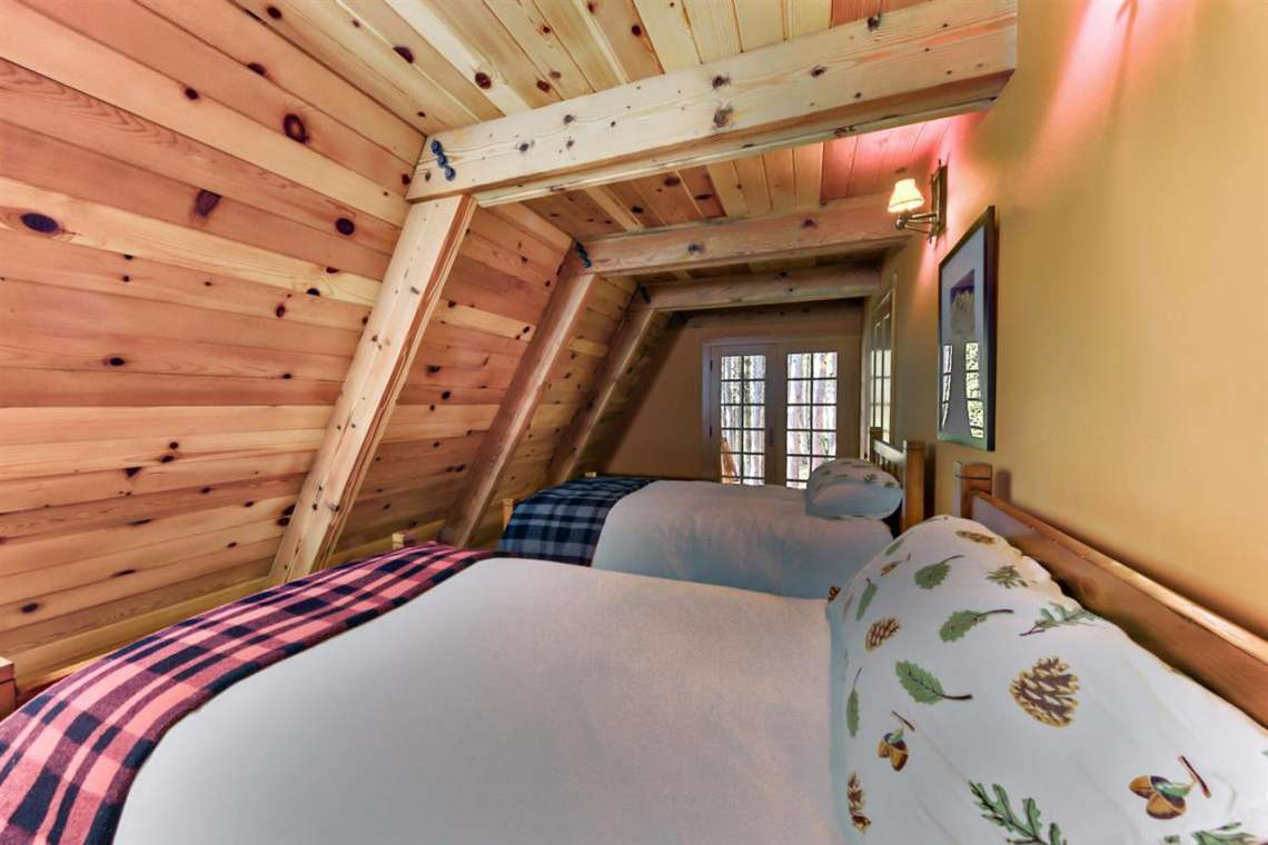 Serene Lakes Cabin  | 1102 Island Way Soda Springs CA | Bedroom