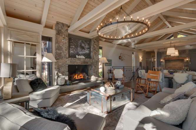 Beautiful great room with vaulted ceilings | Lake Tahoe Real Estate
