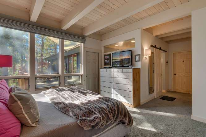 Master Bedroom| Dollar Point Luxury Home
