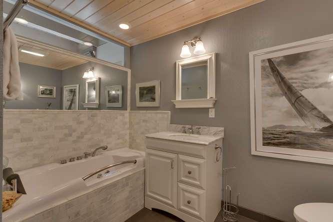 Master Bathroom | Lake Tahoe Real Estate