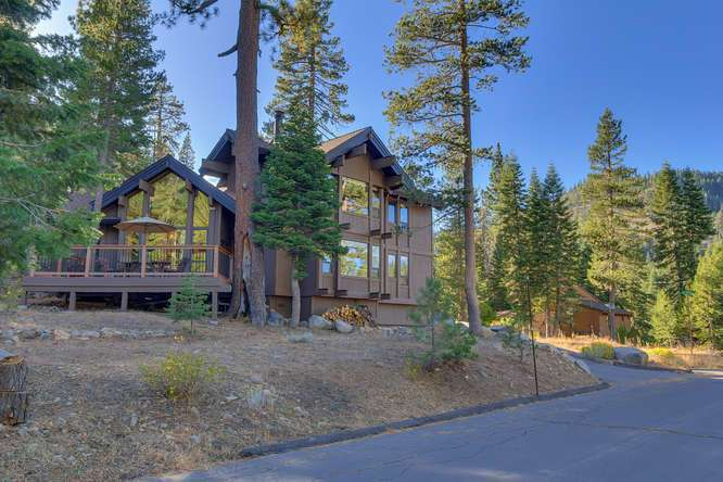 Alpine Meadows Cabin for Sale | 1177 Snow Crest Rd Alpine Meadows | Front Exterior