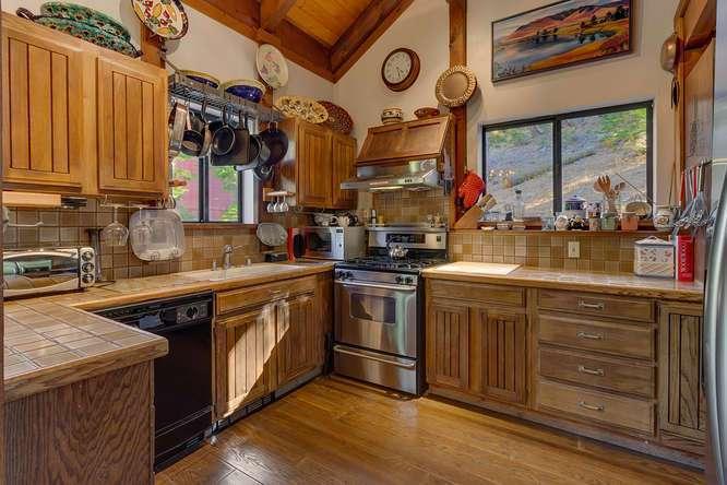 Alpine Meadows Luxury Cabin | 1177 Snow Crest Rd Alpine Meadows | Kitchen