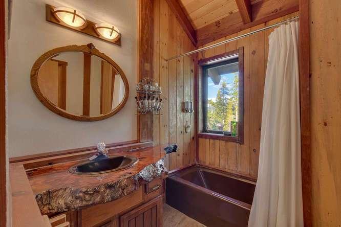 Lake Tahoe Ski Home | 1177 Snow Crest Rd Alpine Meadows | Bathroom