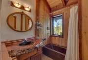 Lake Tahoe Ski Home | 1177 Snow Crest Rd Alpine Meadows | Bathroom