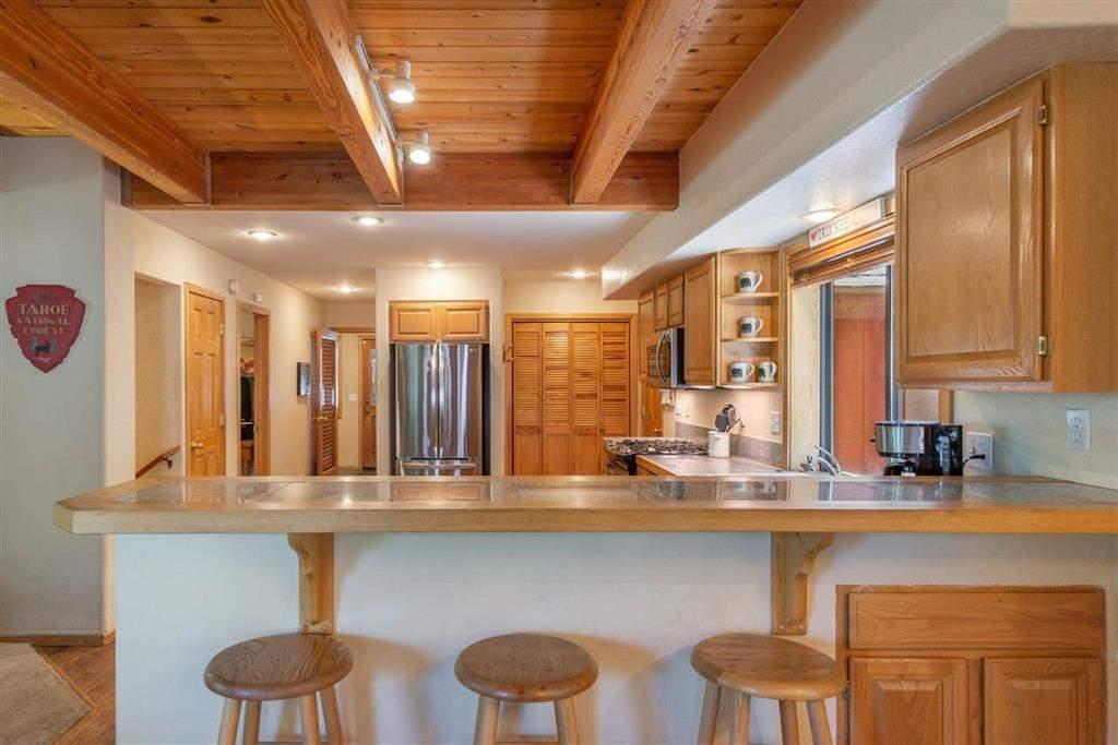 Eat-in kitchen   Tahoe Donner retreat