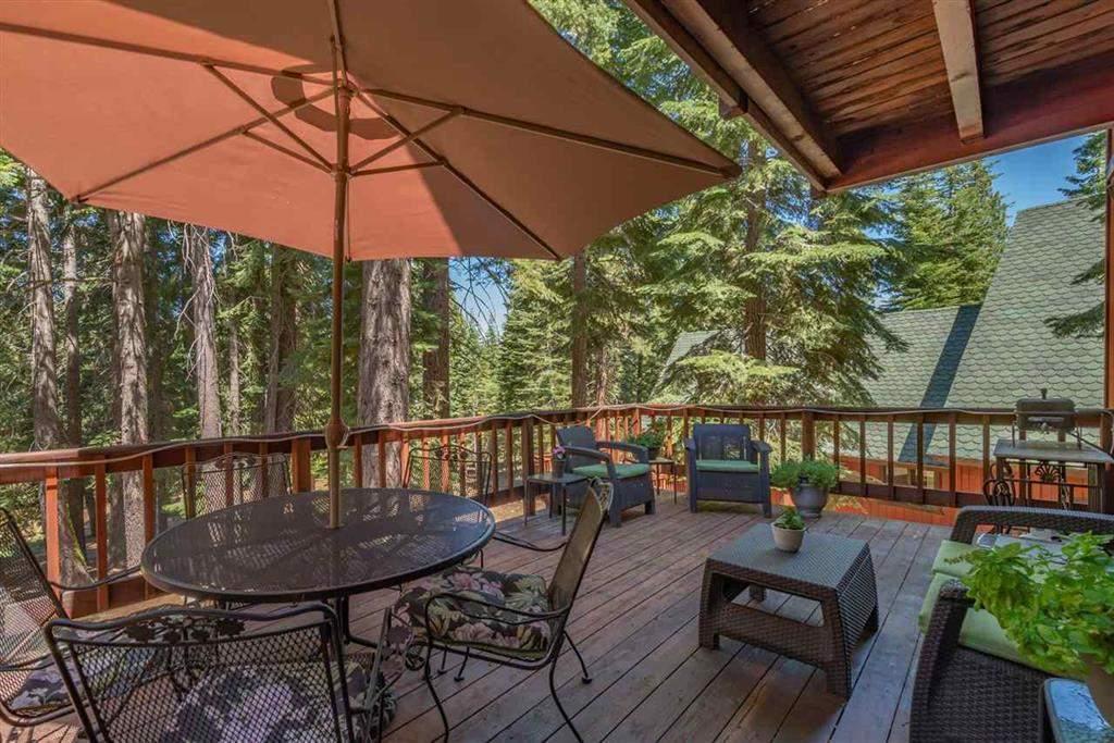 Spacious deck   Tahoe Donner retreat