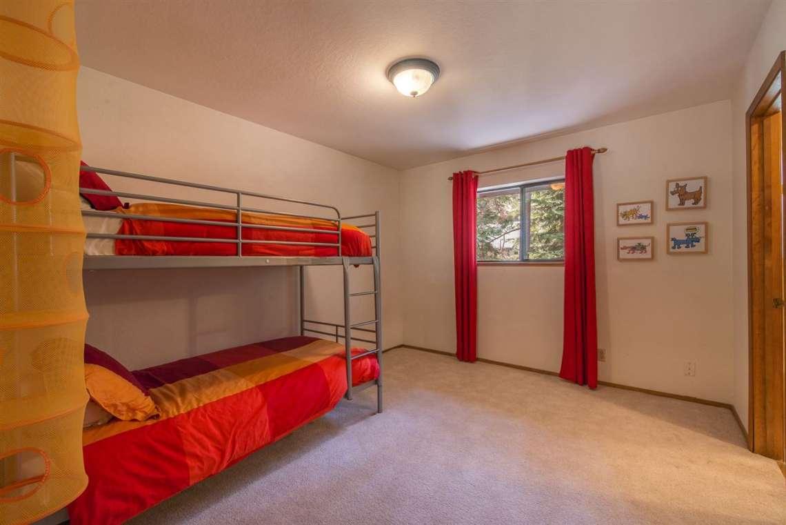 Truckee Home Sold   12480 Poppy Lane   Bedroom