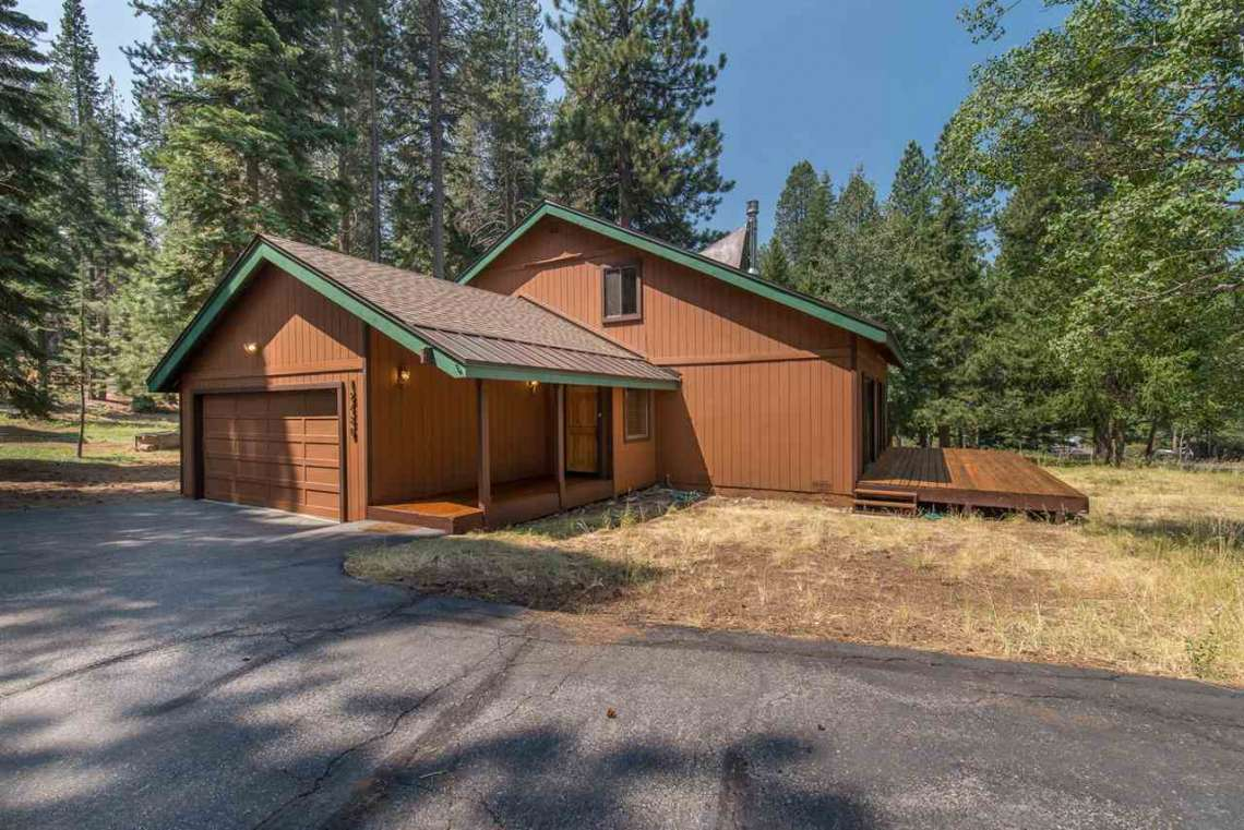 Truckee Cabin | 12480 Poppy Lane | Outside view