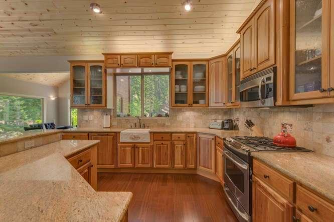Truckee Luxury Home | 12731 Brookstone Dr Truckee CA