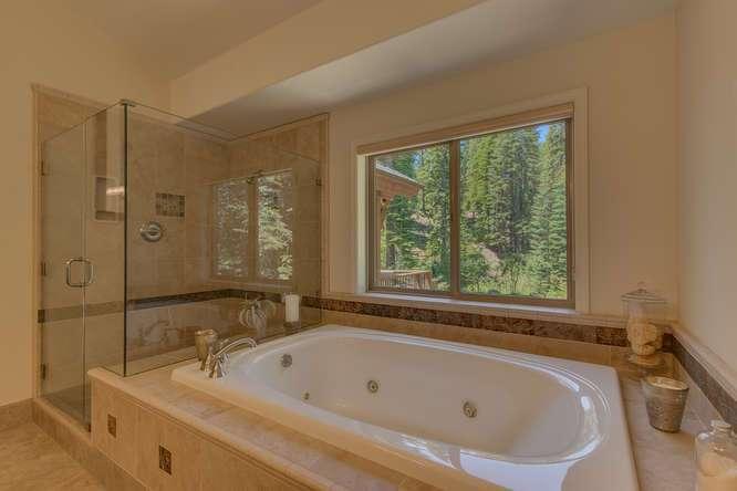 Truckee Luxury Property | 12731 Brookstone Dr Truckee CA
