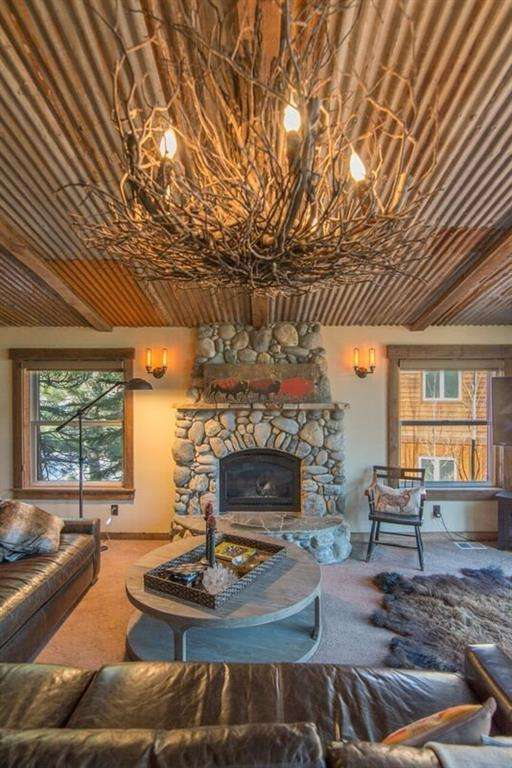 Gorgeous Great Room with Beautiful Views | Truckee Real Estate