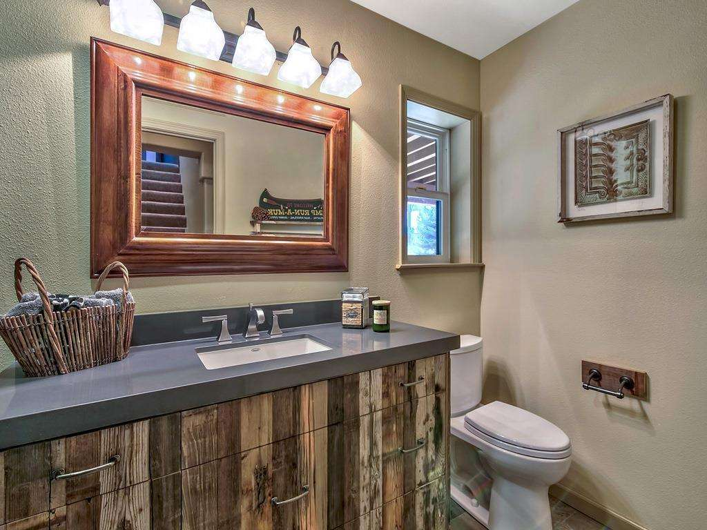 Guest Bathroom | Tahoe Donner Real Estate