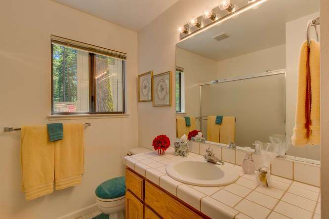 Guest Bathroom 1 | Tahoe Vista Home
