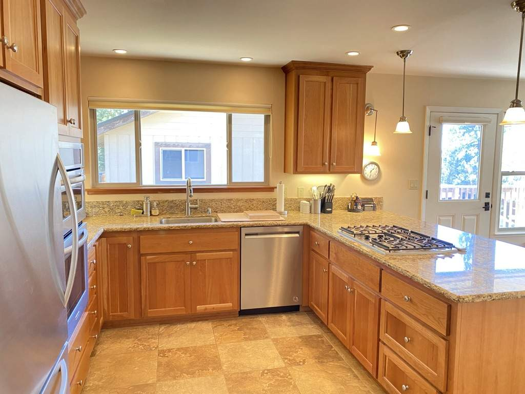 Upgraded kitchen   Dollar Point Lakeview home