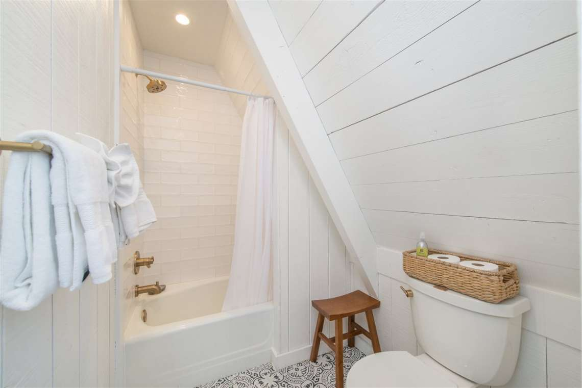 North Lake Tahoe Real Estate | 135 Lakewood Lane | Bathroom