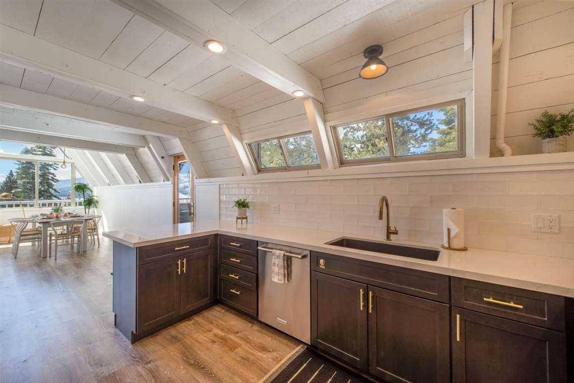 Lake Tahoe Real Estate | 135 Lakewood Lane | Kitchen