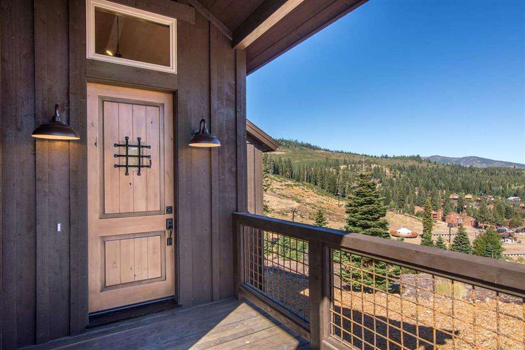 13579 Skislope Way | Tahoe Donner Ski Resort Home