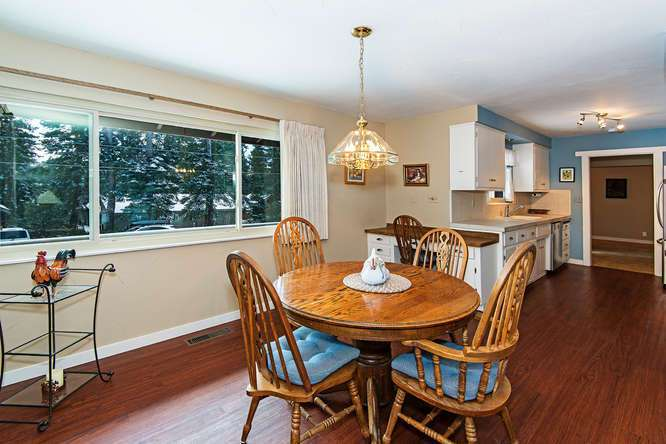 Lake Tahoe Real Estate | 136 Marlette Drive Tahoe City | Dining Area