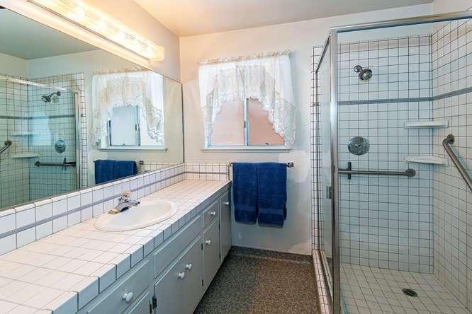 North Lake Tahoe Real Estate | 136 Marlette Drive Tahoe City | Bathroom