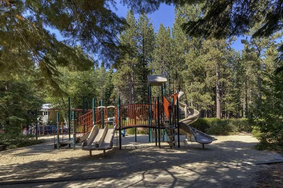 tahoe-park-playground