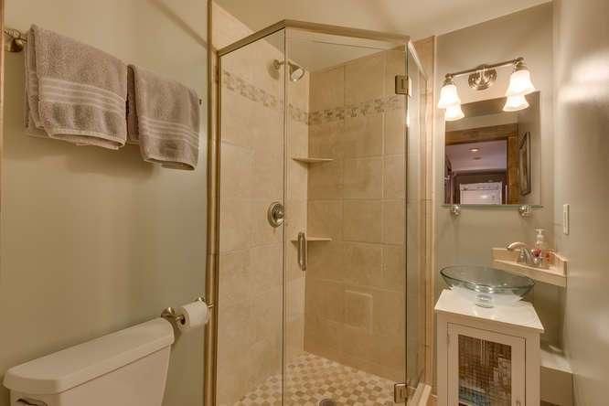 Guest Bathroom 1 | Alpine Meadows Condo For Sale