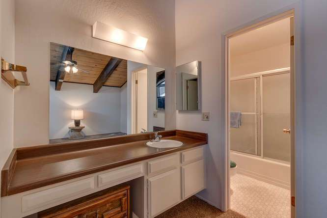 Lake Tahoe Realtor | 2201 Scott Peak Pl 38 | Master Bath