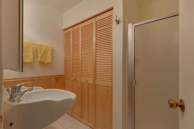 Alpine Meadows Realtor | 2201 Scott Peak Pl 38 | Bathroom