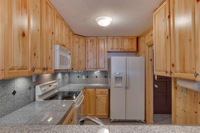 Alpine Meadows Real Estate | 2201 Scott Peak Pl 38 | Kitchen