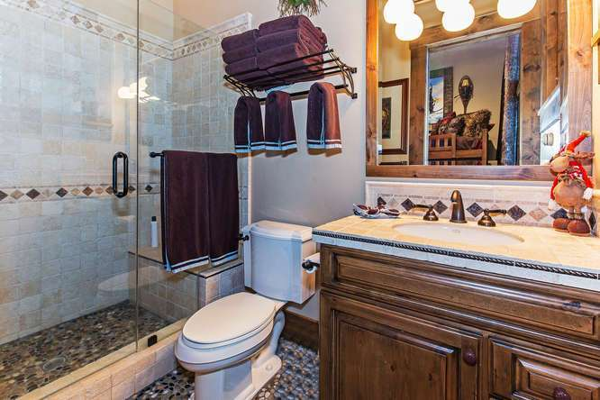 Guest Bathroom | Northstar Luxury Home For Sale