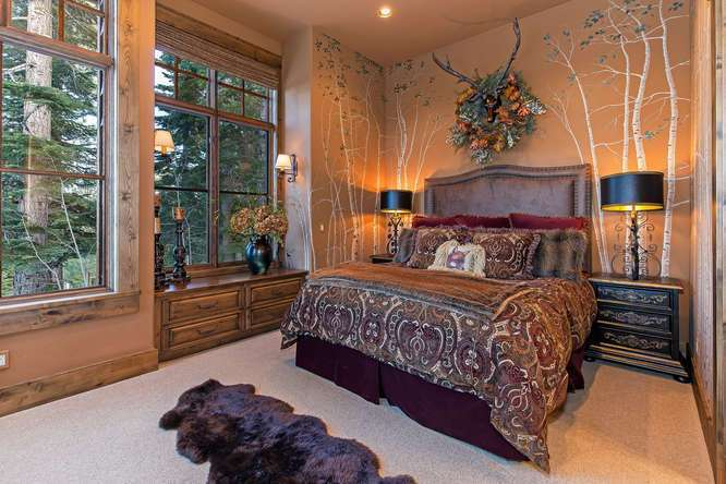 Guest Bedroom with en suite bathroom | Northstar Luxury Home