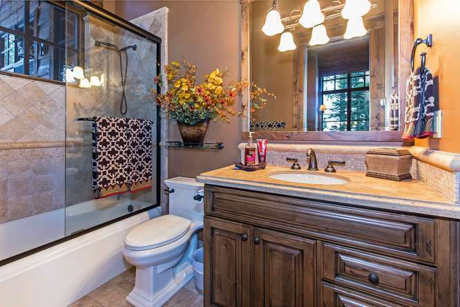 Guest Bathroom | Northstar Luxury Real Estate