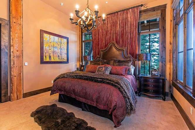 Guest Bedroom with en suite bathroom | Northstar Real Estate