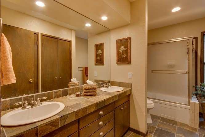 West Shore Real Estate Lake Tahoe | 2565 Cedar Ln Homewood CA | Master Bath