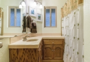 2715 Cedar Lane |Guest Bathroom