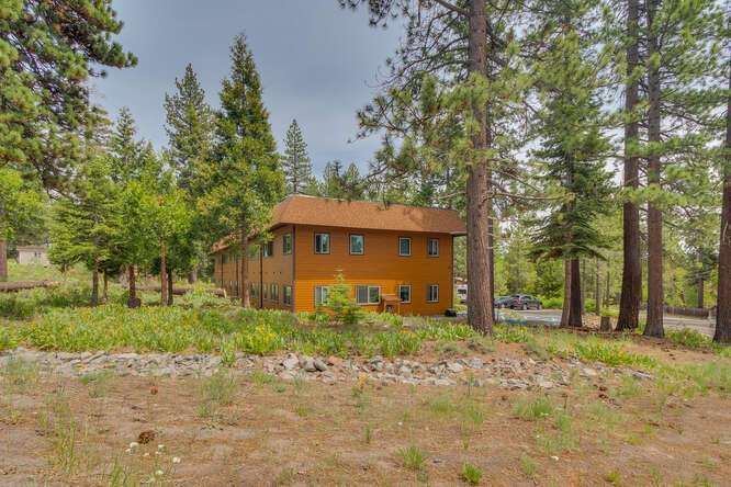 3000-W-Lake-Blvd-Tahoe-City-CA-small-004-003-SideBack-Exterior-666x445-72dpi.jpg-nggid044176-ngg0dyn-666x444x60-00f0w010c010r110f110r010t010