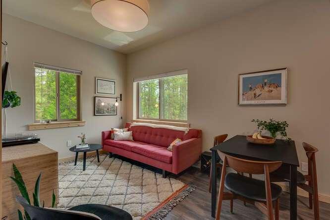 3000-W-Lake-Blvd-Tahoe-City-CA-small-005-007-2-Bedroom-Apartment-666x444-72dpi.jpg-nggid044183-ngg0dyn-666x444x60-00f0w010c010r110f110r010t010