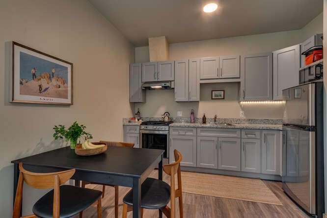 3000-W-Lake-Blvd-Tahoe-City-CA-small-007-009-2-Bedroom-Apartment-666x444-72dpi.jpg-nggid044175-ngg0dyn-666x444x60-00f0w010c010r110f110r010t010