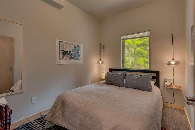 3000-W-Lake-Blvd-Tahoe-City-CA-small-009-010-2-Bedroom-Apartment-Bedroom-666x444-72dpi.jpg-nggid044166-ngg0dyn-666x444x60-00f0w010c010r110f110r010t010