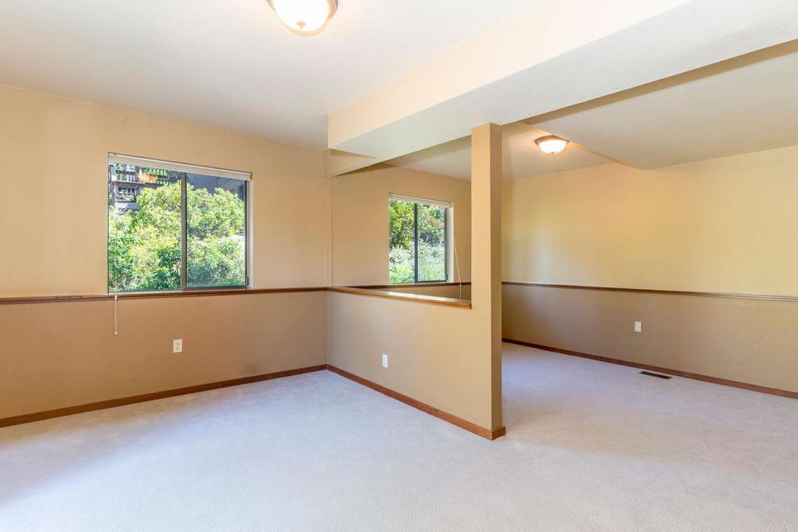 Lake Tahoe Lakeview Real Estate | 3145 Meadowbrook Dr | Office Area