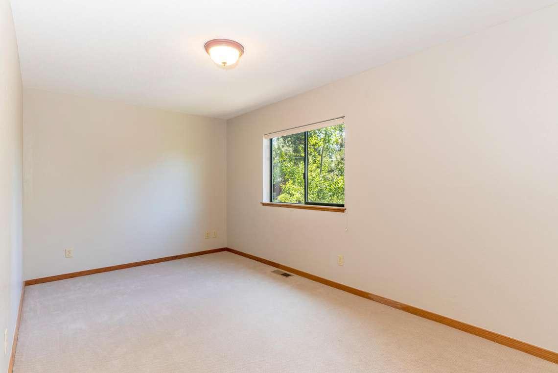 Tahoe Real Estate | 3145 Meadowbrook Dr | Bedroom