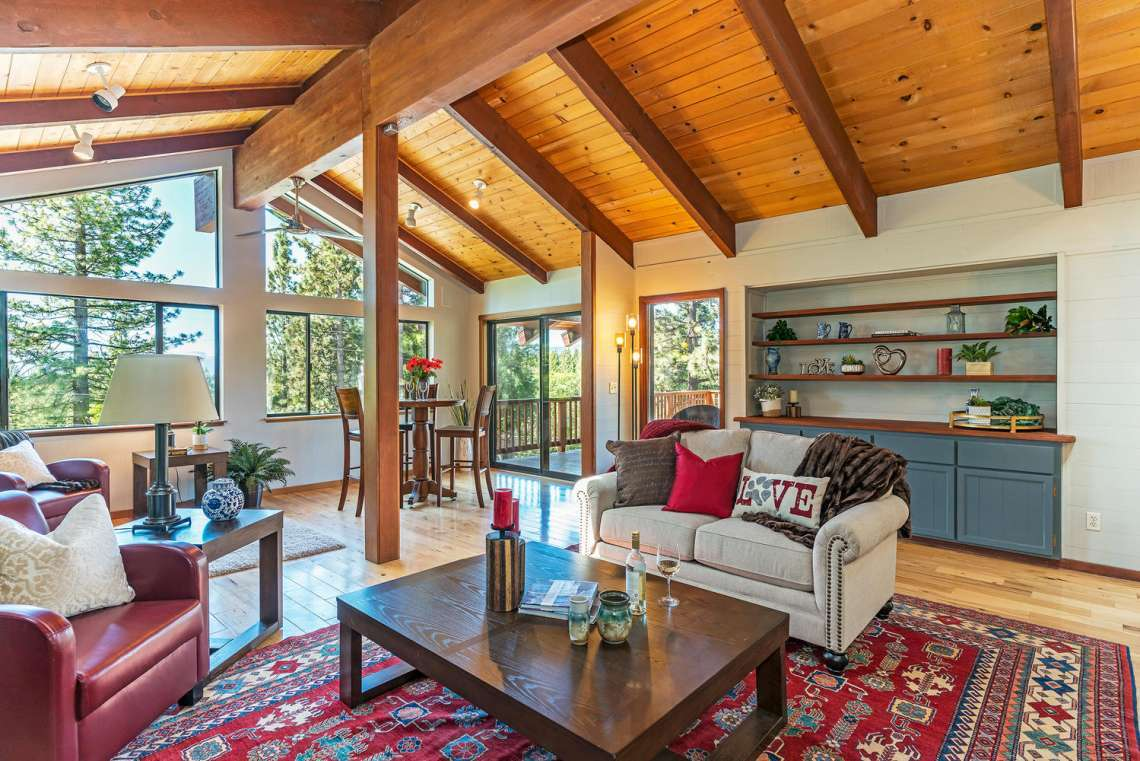 Tahoe City Lakeview Real Estate | 3145 Meadowbrook Dr | Living Room