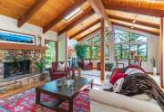Tahoe Lakeview Real Estate | 3145 Meadowbrook Dr | Living Room