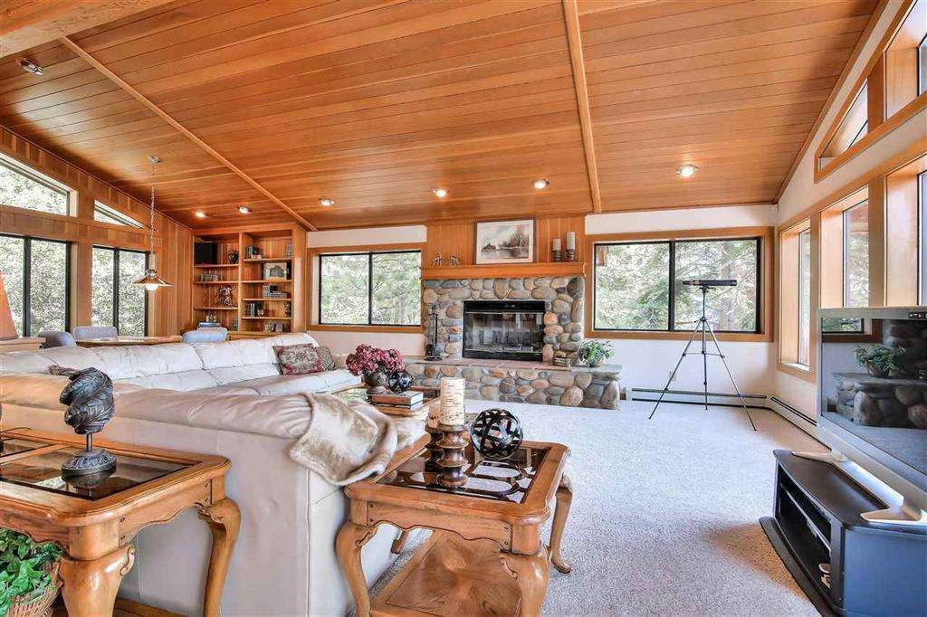 Dollar Point Lake Tahoe Home | 3324 Dardanelles Ave | Living Area