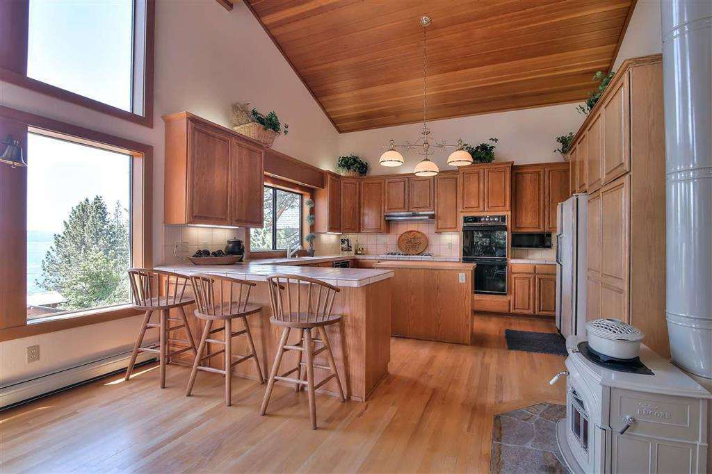 Lake Tahoe Real Estate | 3324 Dardanelles Ave | Kitchen