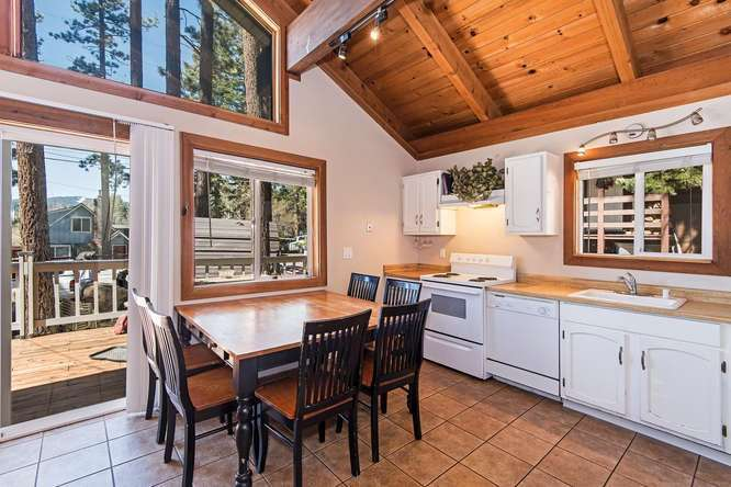 Interior view of 350 Pioneer Way | Tahoe City Real Estate